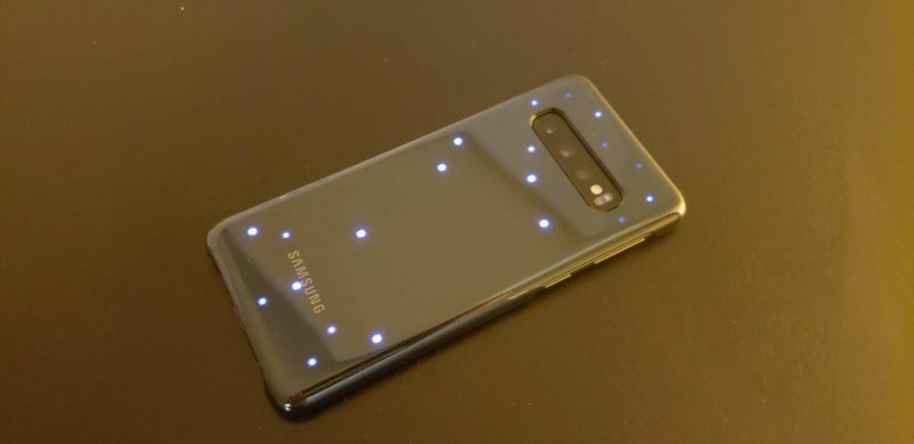 ガジェット】Galaxy S10 レビュー -LED背面カバー編- | ビーフ